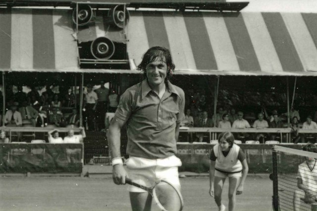 Ilie Nastase won the 1972 men's singles title.